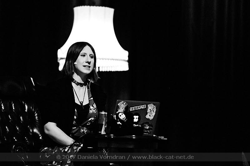 black cat net vortrag lydia benecke leipzig. Black Bedroom Furniture Sets. Home Design Ideas